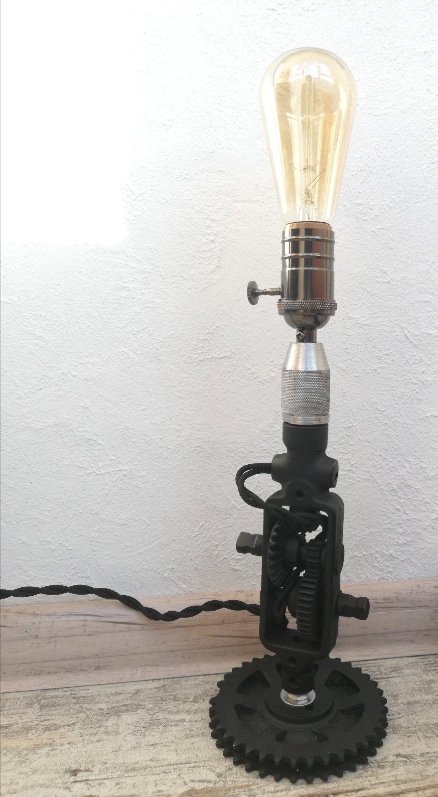 світильник із ручної дрелі3